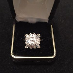 Jewelry - Cubic Zirconia cocktail ring